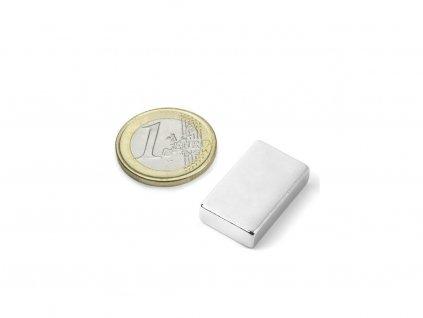 Neodymový magnet hranol 25x15x6mm, Neodym, N45, ponikelovaný