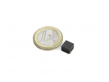 Feritový magnet hranol 7x7x5mm, Ferit, Y35, bez povrchovej úpravy