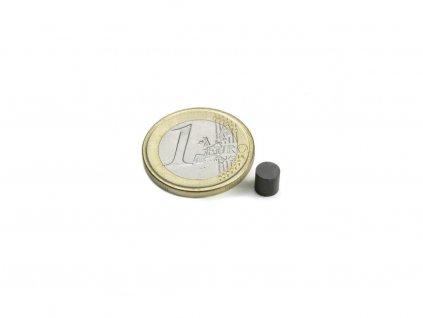 Feritový magnet valec D5x5mm, Ferit, Y35, bez povrchovej úpravy