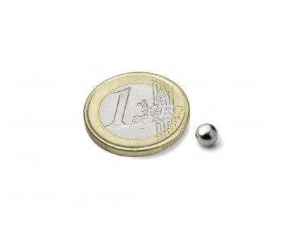 Neodymový magnet guľa D5mm, N35, ponikelovaný