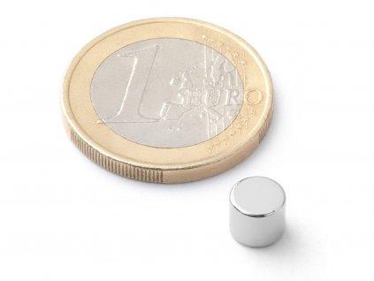 Neodymový magnet valec D6x5 mm, Neodym, N42H, ponikelovaný, diametrálne magnetizovaný