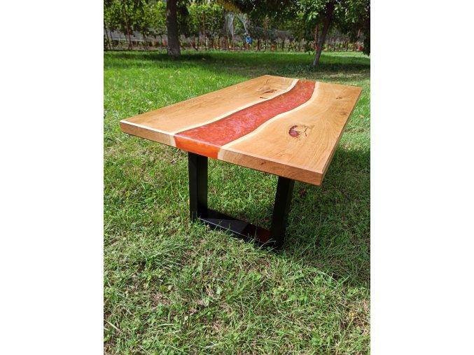 Stůl s epoxidovou lávovou řekou a černou podnoží o rozměru 120x60 ošetřeno lakem