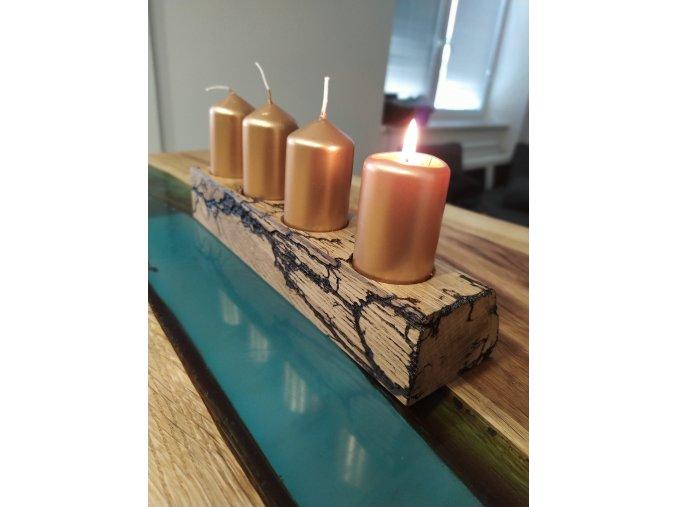 dubový svícen