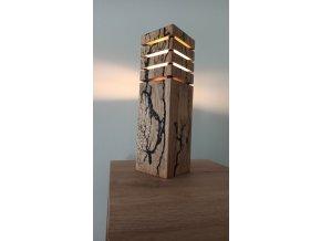 Dřevěná lampa s LED žárovkou