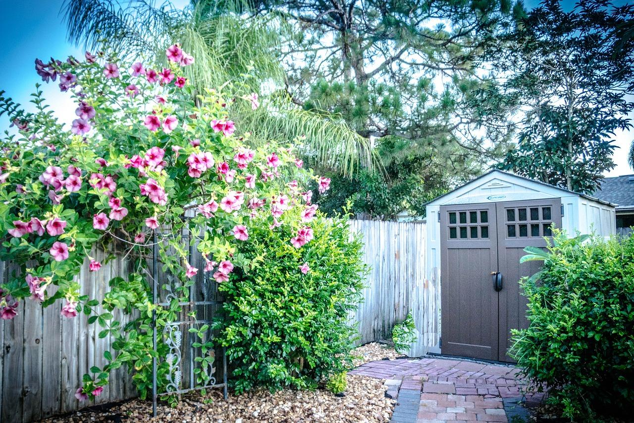 Zahradní domek ochrání zahradní vybavení. Jak jej vybrat?