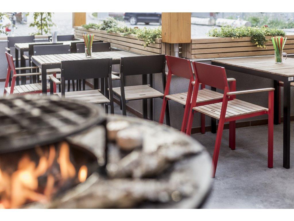 Zahradní židle s područkami Cora HPL+dřevo