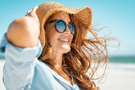 Jak mít krásné a zdravé vlasy v létě?