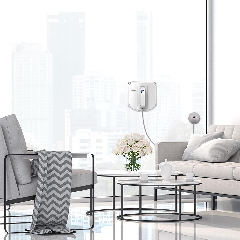 Sledujte jarní úklid oken z pohodlí vaší pohovky díky robotickému čističi TESLA