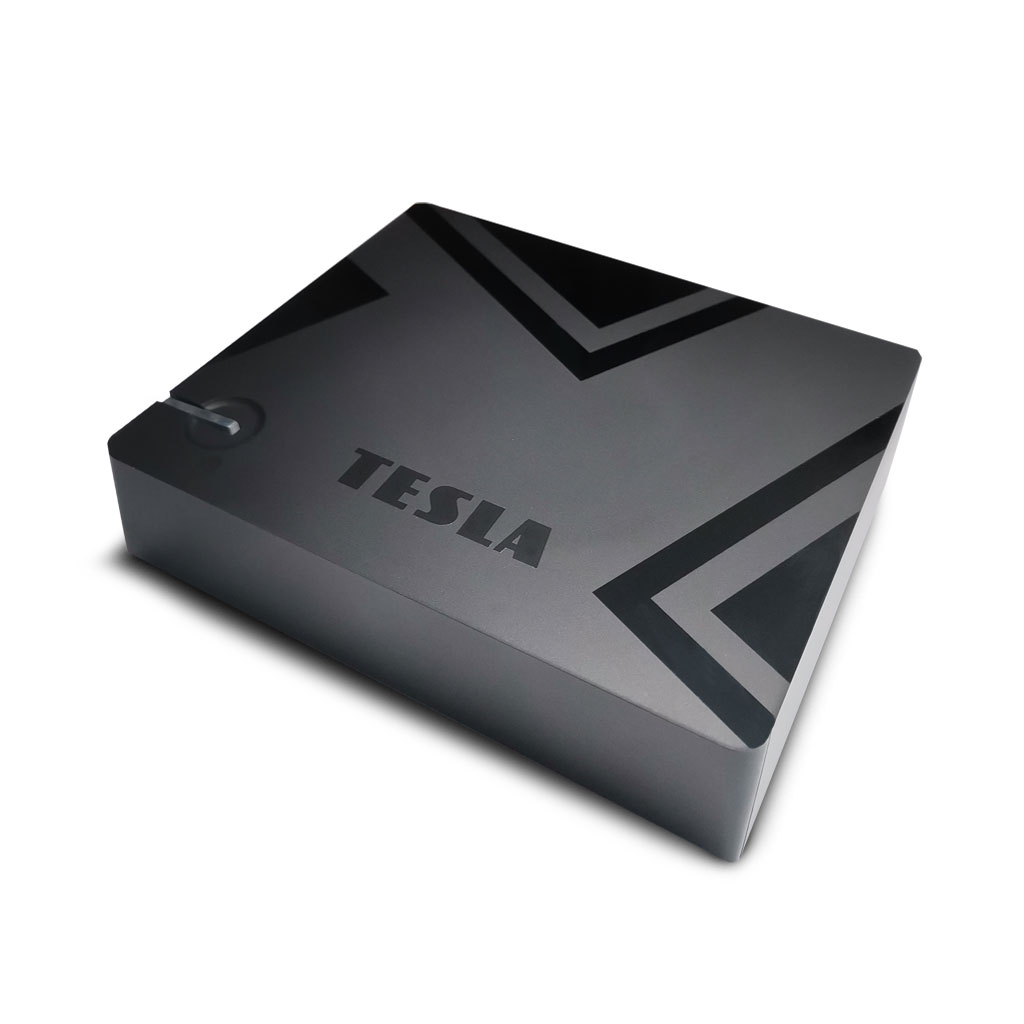 tesla-mediabox-xt550-1