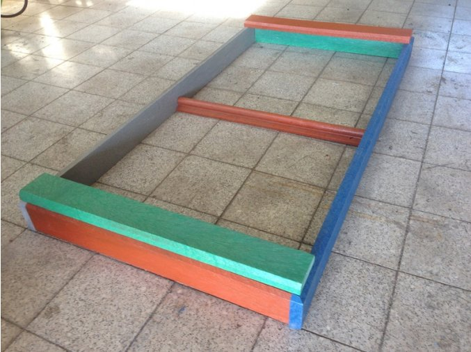 07 cb. Pieskovisko doskové 200 cm x 100 cm