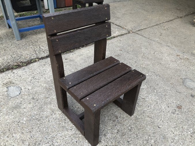 02 dca plastová stolička 3+2 (2)