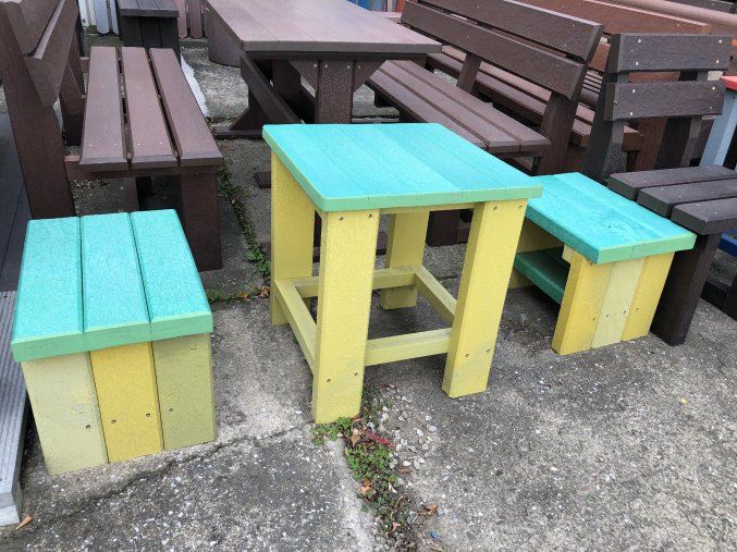 07 ee detský stôl a stolčeky