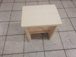 16 a. Drevený stolček, bez náteru