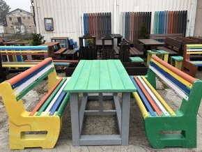 02 ga. Sada 2 masívnych lavíc L-bench a stôl