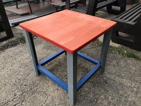 02 detský stôl farený 100x100 cm