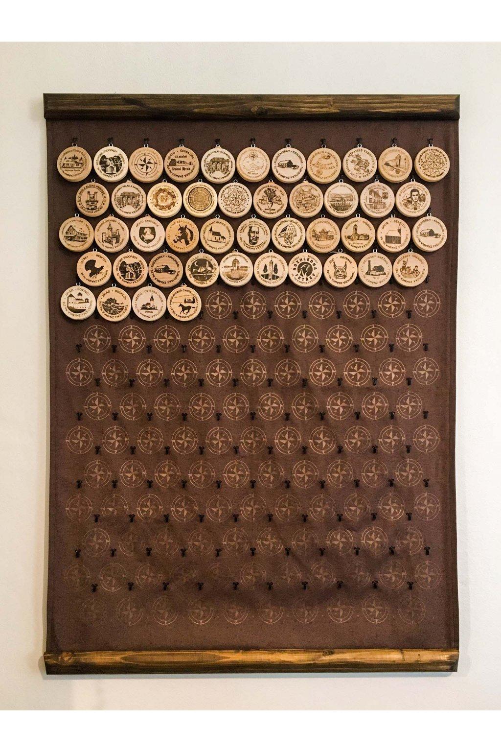 nástěnka dřevěné lišty