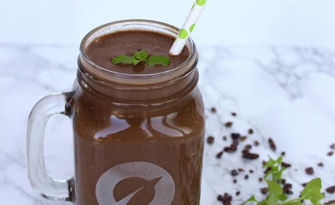 Krémový čokoládovo-mátový milkshake za dvě minuty