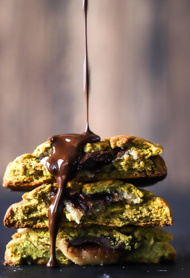 Proteinové sušenky s čokoládou a karamelem