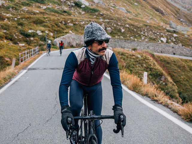 TIPY: Jak se v zimě obléknout na kolo ve Veloklasiku 2. část