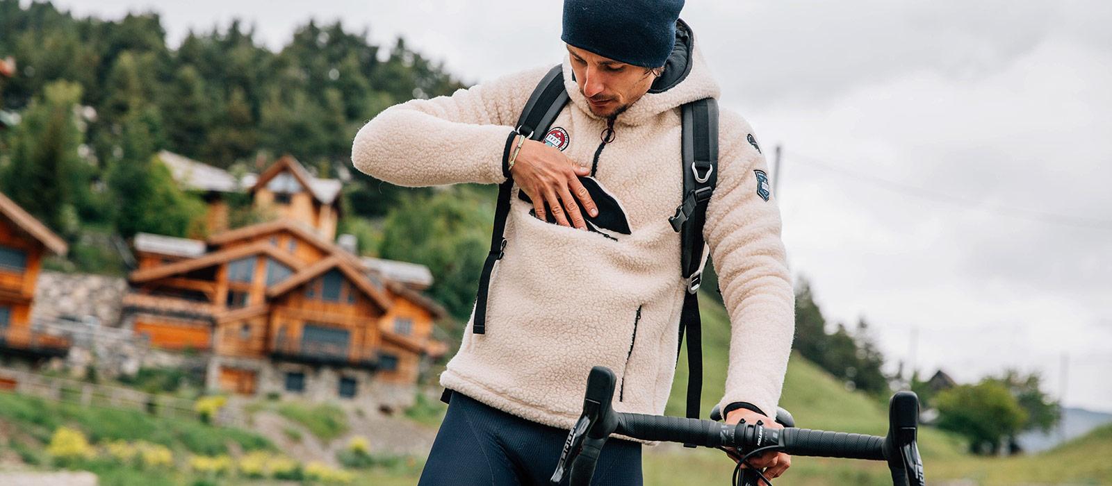 Vlněná mikina s kapucí ONDINE Café du Cycliste krémová
