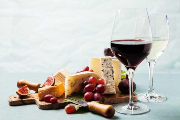 Párujte víno a sýry