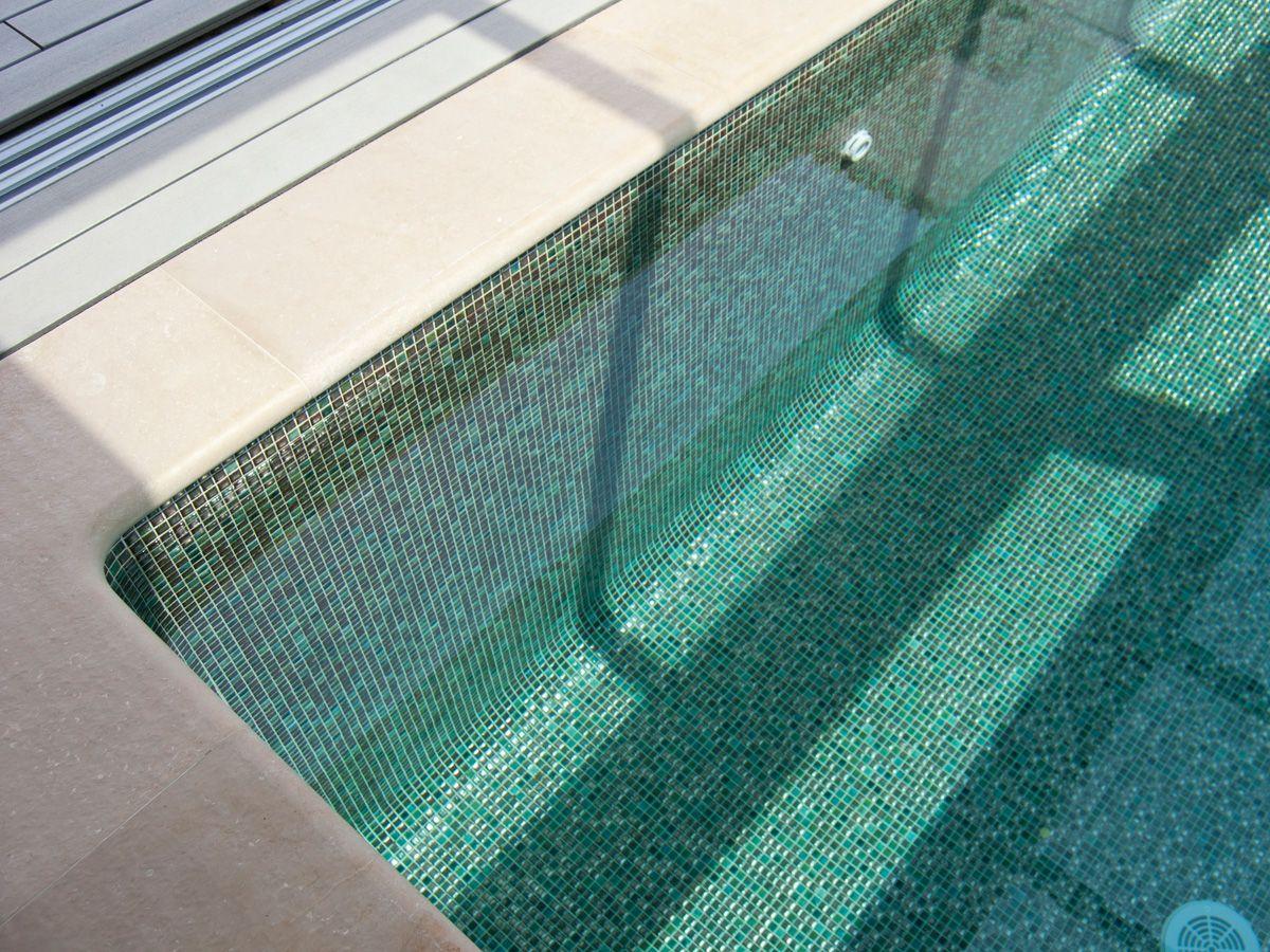mozaika-do-bazenu-leskla-keramicka-18x18-acqua-2