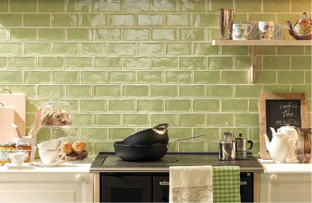 Obklad-do-kuchyně-lesklý-krakelovaný-jednobarevný-7,5x15-krakle