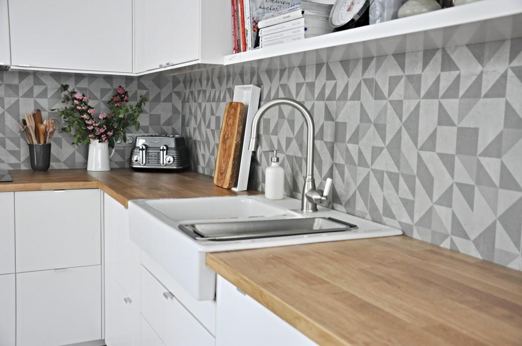 concrete-dlazba-obklady-imitace-betonu-dekor-vzor-velkoformat-04