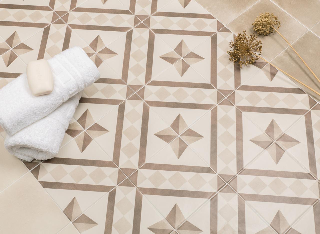 obklad-dp-koupelny-dekorovany-matny-15x15-atelier