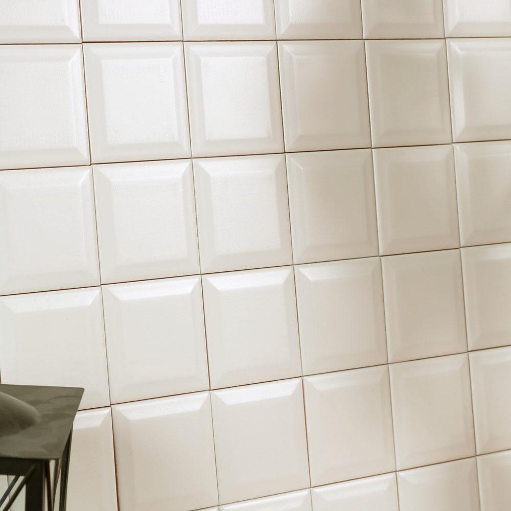 monocolor-obklady-jednobarevne-15x15-prolamovane-skosene-bezova-marfil-brillo-bisel-07