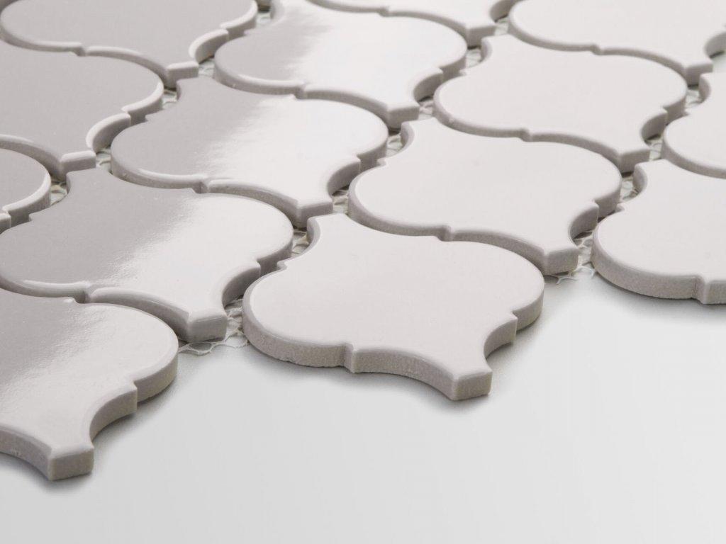 arabeska mozaika na siti velka leskla svetle seda