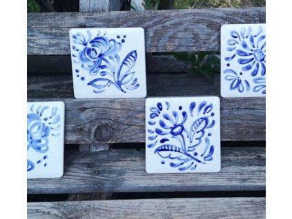 obklad rucne malovany s modrym selskym motivem majolika 11,5x11,5 vinci projekt