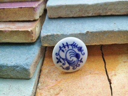 uchytka keramicka porcelanova nopka malovana cibulak