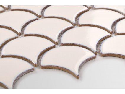 mozaika šupina flabellum kremova matna 84x90