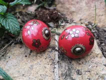 uchytka keramicka porcelanova nopka cervena kyticky