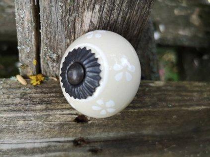 uchytka keramicka porcelanova nopka malovana selska 15