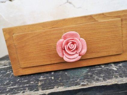uchytka keramicka porcelanova nopka malovana selska blede ruzova ruze kyticka