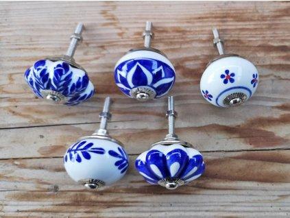 uchytka keramicka porcelanova nopka modro bila 03