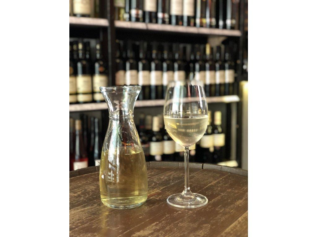 Chardonnay stáčené