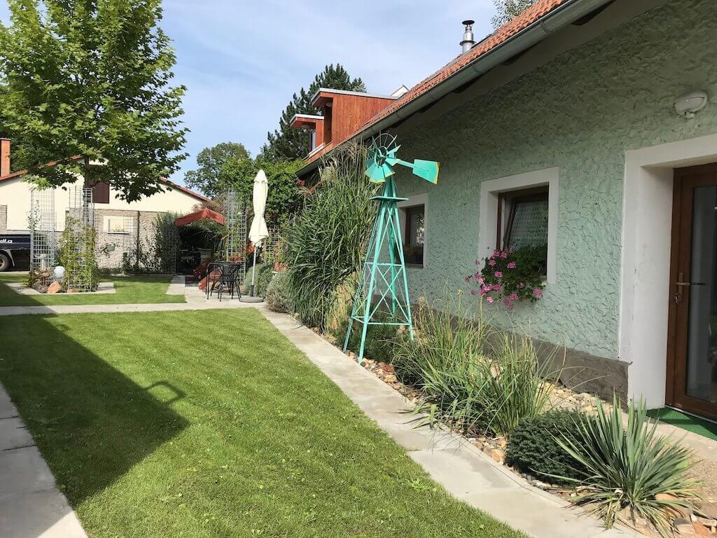 STOA - Zahradní minigolf
