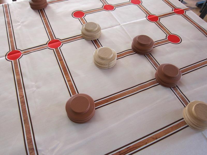 Hra Mlýn - (dřevěný) Hra + hrací plocha: ubrus (120x120cm)