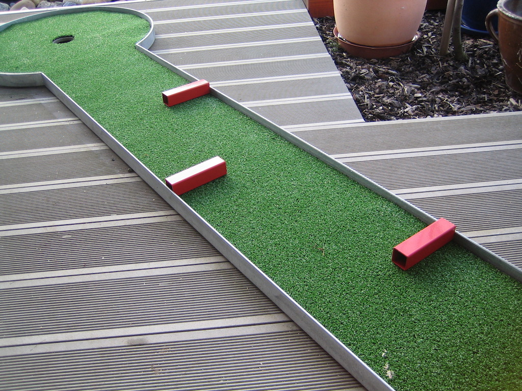 mini Zahradní minigolf dráha + základní překážky