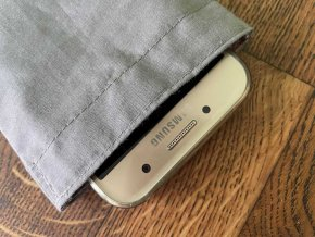 Ochranný obal pro mobilní telefon proti elektrosmogu