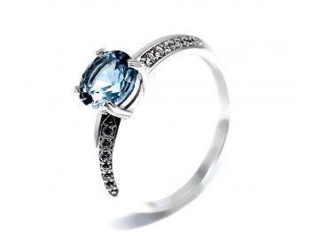 Zlatý prsten z bílého zlata a blue topazem