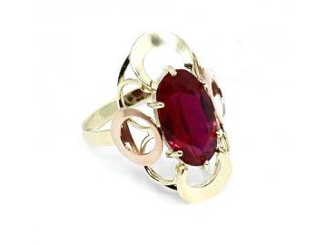 Zlatý prsten se syntetickým rubínem barokní