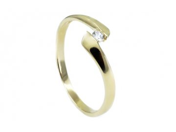 Zlatý prsten se zirkonem Moon