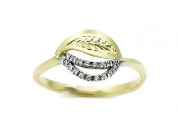 Zlatý prsten s rytinou a zirkony