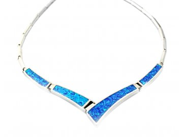 Stříbrný náhrdelník s modrým opálem