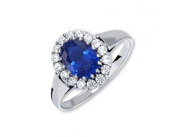 Zlatý prsten z bílého zlata se zirkony a safírem