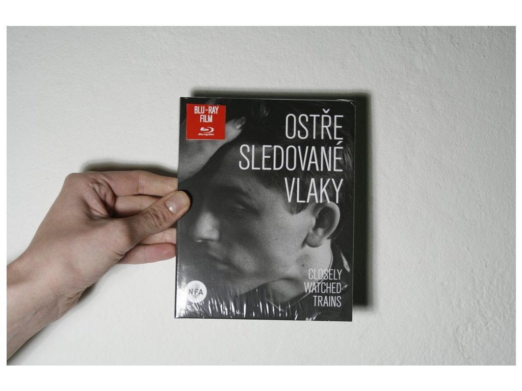 5375 blu ray disk ostre sledovane vlaky closely watched trains